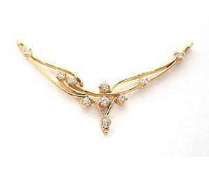 A Simple Diamond & Gold Necklace Pendants Necklaces
