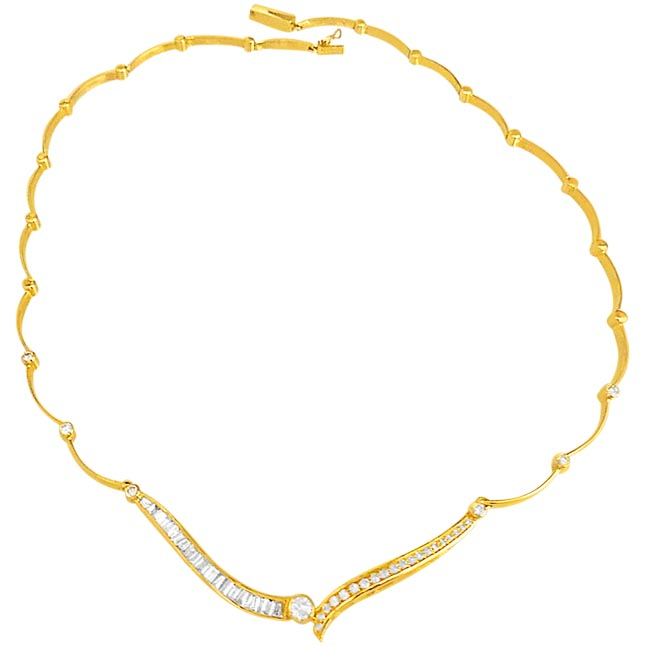 Flower Cut Elegant Diamond Necklace in 18K Gold -Yellow Gold