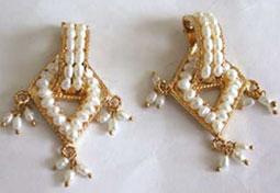 Elegant Earthy Pearl Earrings