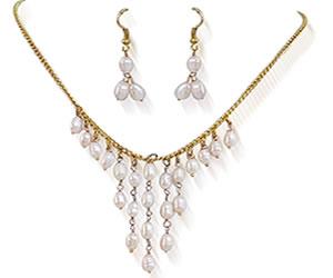 Elegant Fresh Water Pearl Set With Earrings