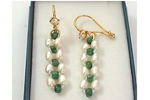 Emerald beads & Rice Pearl Earrings -Pres.Stone Hanging Earrings