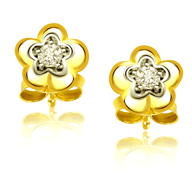 Floral Touch -Solitaire Earrings