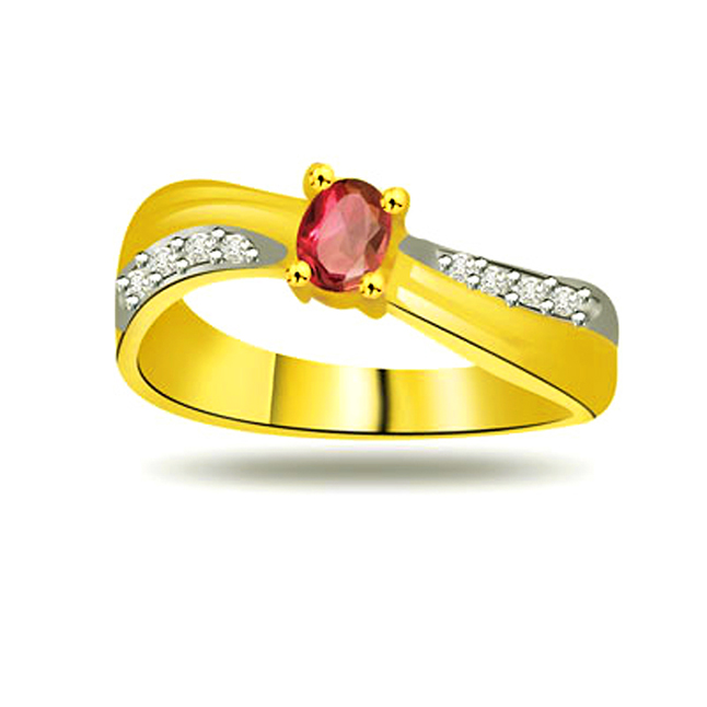 Feminine Charm Diamond & Ruby rings in 18kt Gold