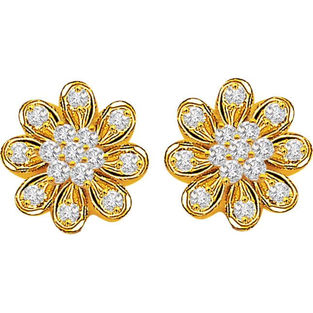 Flower Blossom 0 30 Ct Shape Diamond Earrings In 18kt Gold