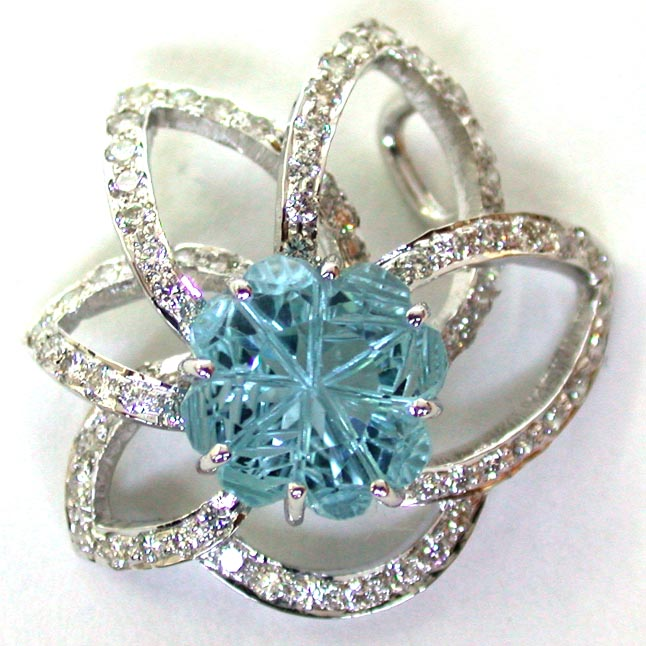 Flower Of Joy -Blue Topaz VVS1 Diamond Pendants -Solitaire