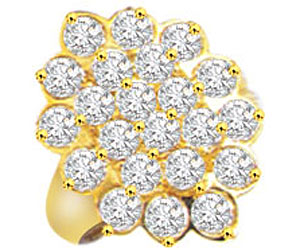 Flower Shaped Diamond Engagement rings In 18k Gold
