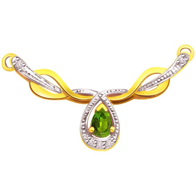 Greener Sparkling Diamond & Emerald Necklace Pendants Necklaces