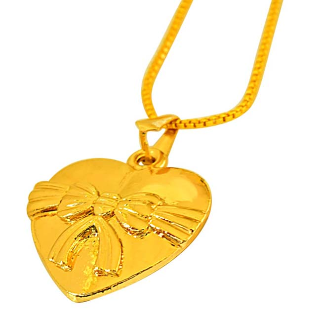 "Lovely ""Bow"" Design on Gold Plated Heart Pendants with 22 IN Chain for Your Love"