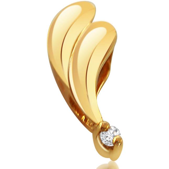 Deep Feeling Solitaire Diamond Pendants in 18kt Gold -Teenage
