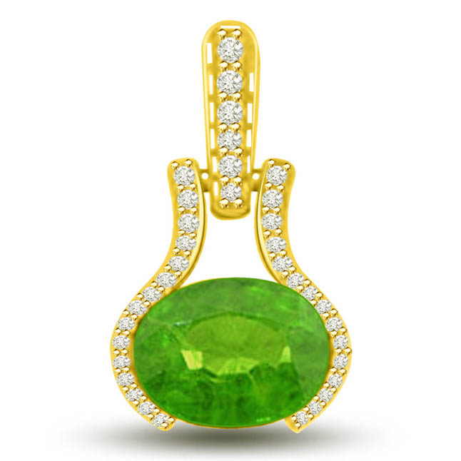 Ravishing Green 1.40 TCW Emerald Diamond Pendants In Yellow Gold