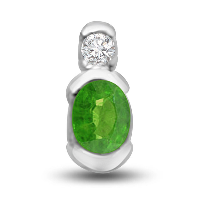 Natural Beauty Delightful Emerald Diamond Pendants In White Gold