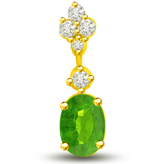 Holding Glamour 0.26 TCW Emerald Diamond Pendants In 18kt Gold