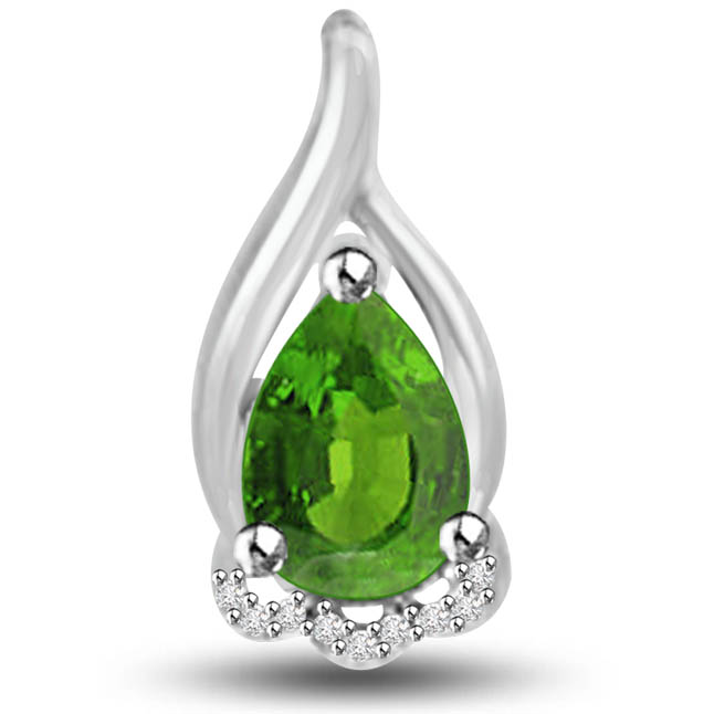 Queen of Emerald 1.09 TCW Emerald Diamond Pendants In 14kt Gold