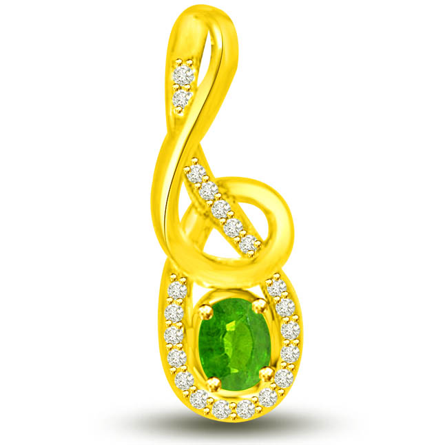 Twinkling Dew Drops 0.40 TCW Emerald Diamond Pendants In Yellow Gold