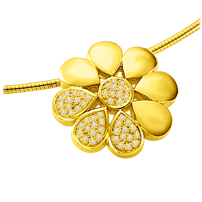 Flower Shining with Diamond 0.30ct Luxurious Diamond Flower 18kt Yellow Gold Pendants -Designer Pendants