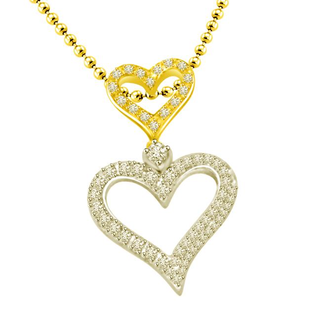 My Heart Is Beating : Two Tone Heart Shape Diamond Pendanat