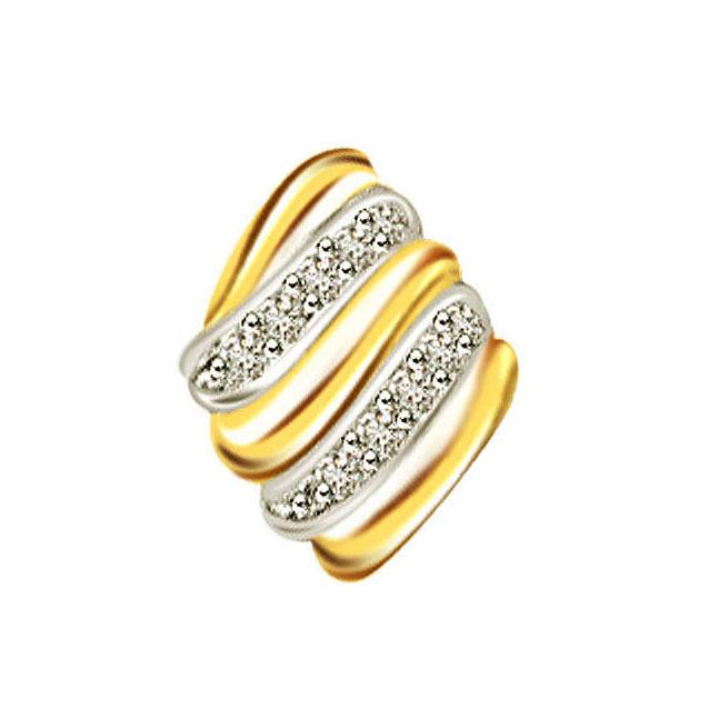 0.07ct Trendy Diamond 18kt Gold Pendants