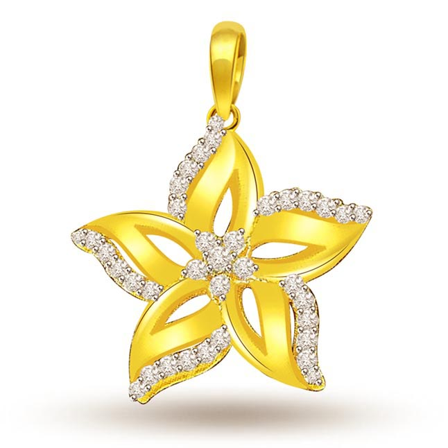 0.30 cts StarFlower Diamond 18K Pendants -Flower Shape Pendants