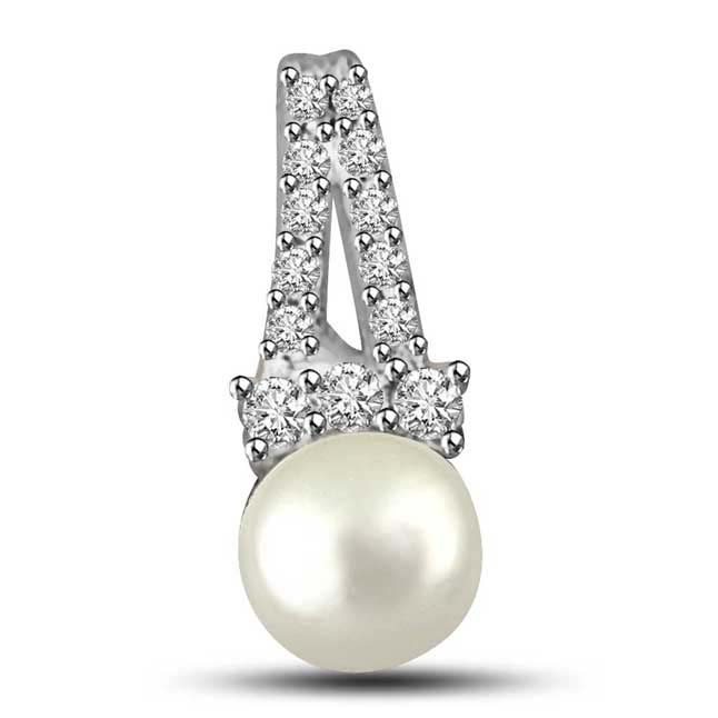 Pearl in the Ocean White Round Real Pearl Brilliant Diamond Pendants -White Gold