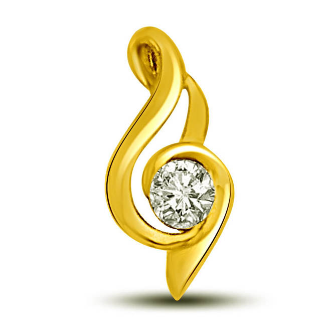 Note of Sound -0.15 TCW Stunning diamond Pendants in yellow gold -Solitaire
