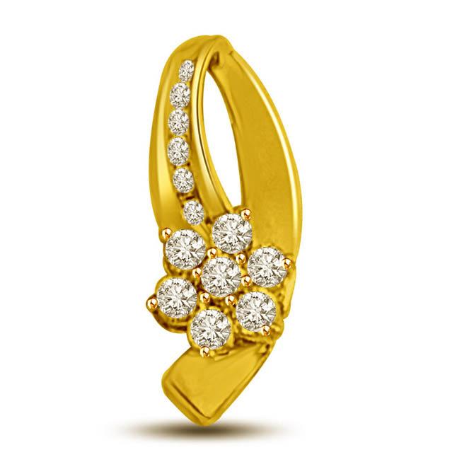 Floral Delight -0.14 TCW Flower shaped diamonds in an 18kt gold Pendants -Flower Shape Pendants