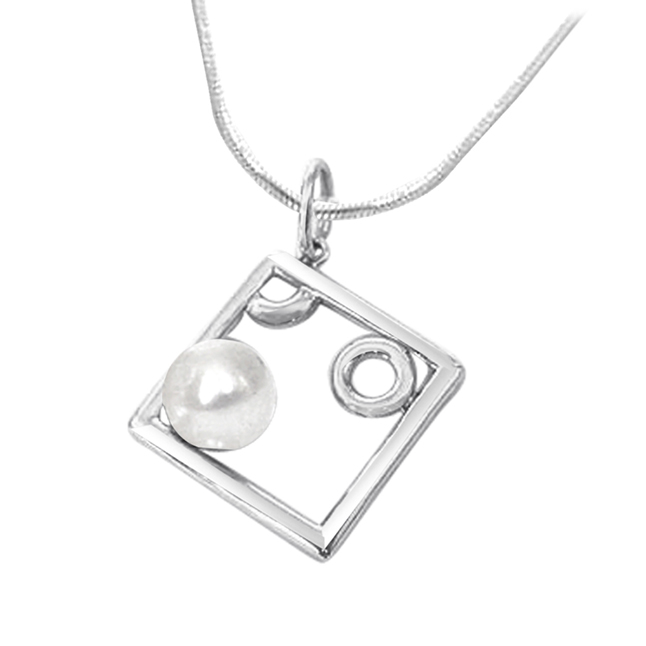 Pearl Delight -Pearl Silver Pendants