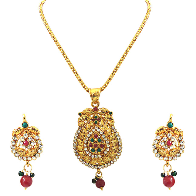 Charming Beauty -Pendants Necklace & Earrings Set