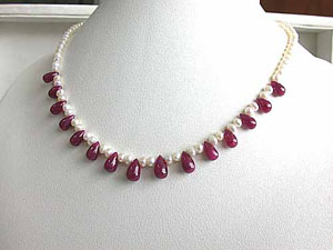 Really Ruby Necklace -Ruby+Pearl