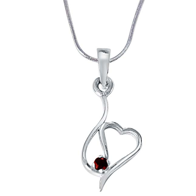 A Pair of Ones Red Garnet & 925 Sterling Silver Pendant with 18 IN Chain