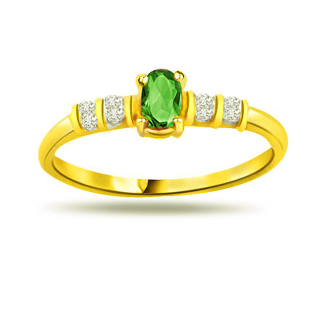 Dreamy Delight Round Diamond & Emerald Gold rings SDR1105 -Diamond & Emerald