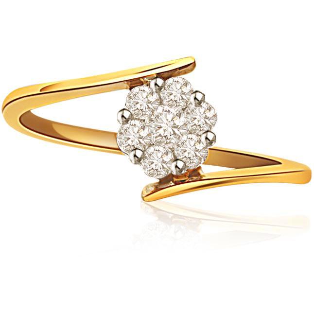 Flower Flowing Love 0.50 ctG / VVS1 Diamond Flower Shape rings