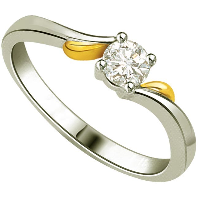 0.06cts I-J / VS2 Solitaire Diamond  Two Tone Ring in 18K Gold