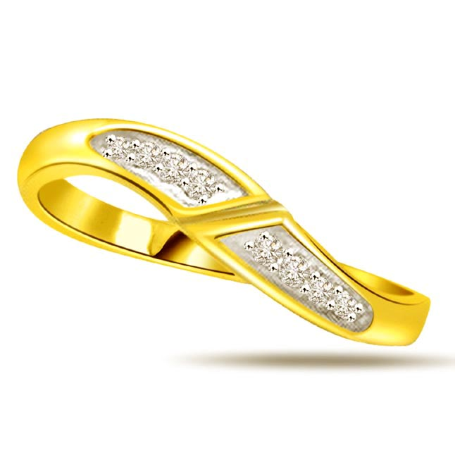 0.16ct Diamond Designer 18kt Gold rings