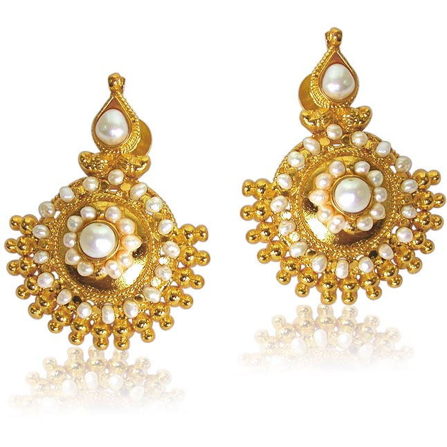 Vibrant Beauty Pearl Earrings -Designer Earrings