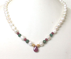 SN -422 Queen's Closet -Precious Stone Necklace
