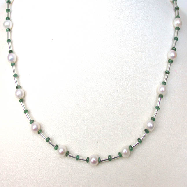 Gorgeous Girl -Necklace -Emerald Pearl