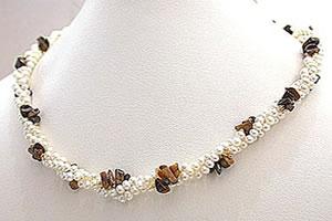 Chocolate Praline -Twisted Rice Pearl