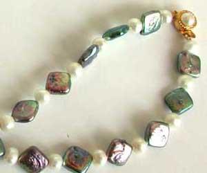 Single Line Pearl Necklace -Colour Stones