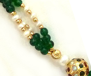 Traditional Rajasthani Polki Kundan Barrel Shape Bead, Freshwater Pearl & Green Bead Set. -Necklace