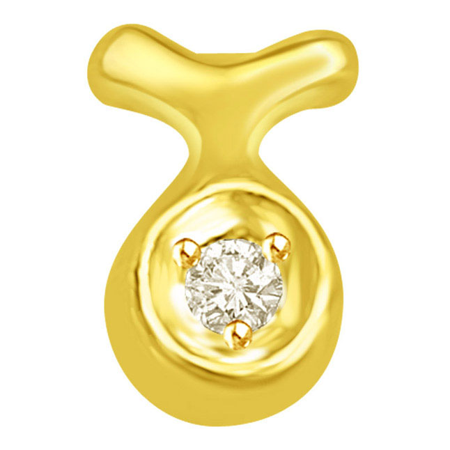 Solitaire Diamond encrusted in Gold cavity with a bow -Solitaire