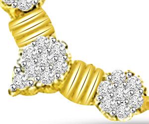 Soul Enlightening 0.55ct 3 Diamond Flower Gold Mangalsutra Pendants