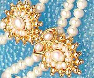 Poise -Pendants Necklace