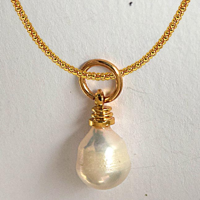 5.25ct Real Natural Tear Drop Freshwater Pearl Pendants with Gold Plated Chain