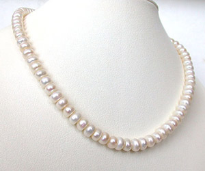 Sweet n Single Line Pearl Necklace -Single Line