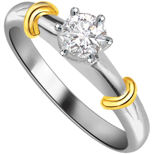 0.17cts L-M / VS2 Solitaire Diamond  Two Tone Ring in 18K Gold