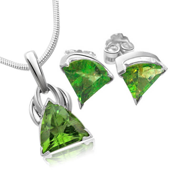 Trillion Shaped Peridot & Sterling Silver set with Chain -Gemstone Set