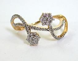 Twisted Love B 0.71 ct Classic Diamond rings